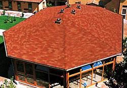Фотография крыши из косых поверхностей